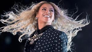 Beyonce ikizlere hamile