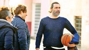 Erdal Beşikçioğlu: Her spordan biraz oynadım  keşke birine ağırlık verseydim. O zaman büyük ihtimalle  sporcu olurdum...