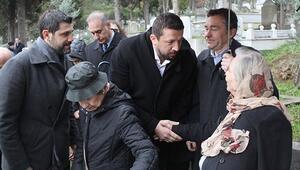 Osman Solakoğlu mezarı başında anıldı