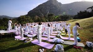 İzmirde Uluslararası Yoga Şöleni