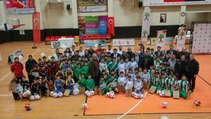 Gaziantepe gazilik unvanı verilmesi kutlanıyor