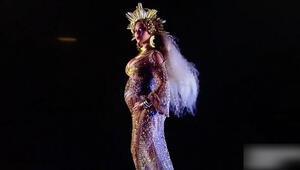 Sahneye hamile çıkan Beyonce büyük alkış aldı