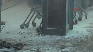 İstanbulda molotoflu ve ses bombalı saldırı