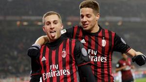 Milan, Fiorentinayı 2 golle geçti