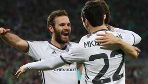 Manchester United ve ve Schalke turladı