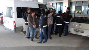 Konsolosluk araçlarıyla FETÖ'cü kaçıran şebekeye polis operasyonu