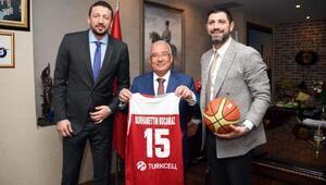 Hidayet Türkoğlundan Mersin Belediyesine teşekkür ziyareti