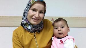 Karaciğeriyle bebeğini yaşama bağlandı
