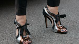 Metalik ayakkabıları nasıl kombinleyebilirsiniz