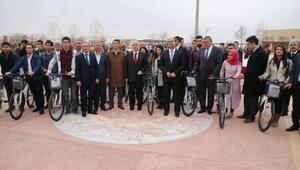 Üniversite öğrencilerine 100 bisiklet