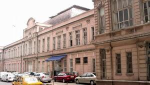 Karaköydeki Tarihi Paket Postahanesi de yıkıldı