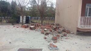 Adıyamanda 5.5lik deprem; yıkılan binalar ve yaralılar var (2)- yeniden