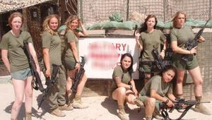 ABDli kadın askerlerin çıplak fotoğrafları Facebookta
