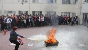 Gaziantepte, liseli öğrencilere yangın ve kurtarma tatbikatı