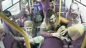 Rahatsızlanan kadın yolcu, halk otobüsüyle acile götürüldü