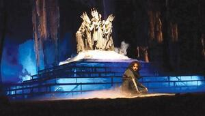 Macbeth on stage with Istanbuls City Theaters