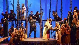 Hekimoğlu Operası ilk kez İzmirde