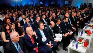 Uludağ Ekonomi Zirvesinde ilk yoğun geçti
