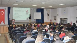 Öğrencilere Akılcı İlaç Kullanımı eğitimi