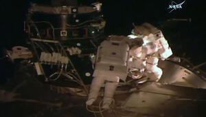 ABDli kadın astronottan uzayda yürüyüş rekoru