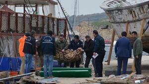 Bandırmada denizde ceset bulundu