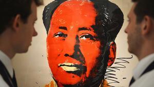 Andy Warholun Mao portresi 12.7 milyon dolara  satıldı