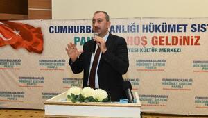 Ak Partili Gül, Anayasayı anlattı