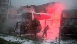 Kaçakçılar, 4 yolcu otobüsünü benzin dökerek yaktı
