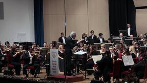 Festivale senfonik açılış
