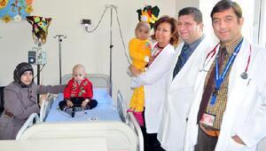 Hasta çocuklar kemik iliği nakli ile hayat buluyor