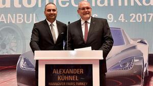 Dünyanın en büyük 3'üncü otomotiv endüstrisi fuarı açıldı