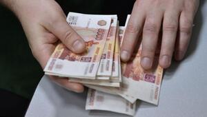 ABD saldırısı sonrası Rus borsası ve ruble düşüşte