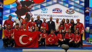 Gözyaşlarıyla gelen Dünya Şampiyonluğu