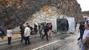 Çevik Kuvvet otobüsü devrildi; 9 polis yaralandı
