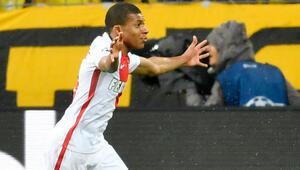 Fransızların göz bebeği, Dortmundu yıktı