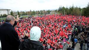 Cumhurbaşkanı Erdoğan, kendisini karşılamaya gelen vatandaşlara hitap etti