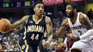 Cavaliers ve Spurs play-offlarda kayıpsız