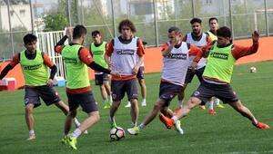 Adanaspor'da Beşiktaş meaisi başladı