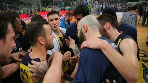Fenerbahçe deplasmanda Panathinaikosu dağıttı