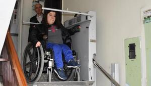 Cumhurbaşkanı Erdoğan'dan engelli yüzme rekortmeni Özgeye asansör desteği
