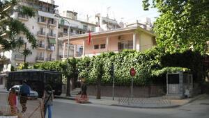 Selanikte Türk Konsolosluğuna molotoflu saldırı
