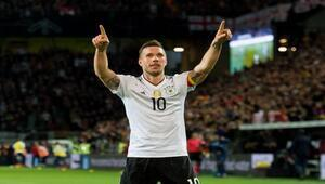 Almanyada ayın golü Podolskiden