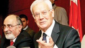 Anayasanın büyük hocası Prof. Dr. Teziç yaşamını yitirdi