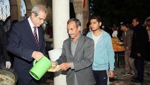 Şanlıurfa'da 10 bin kişiye tirit ikramı