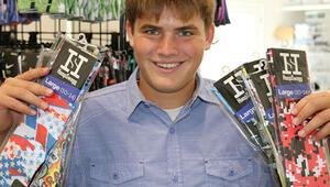 Lise öğrencisi internetten çorap satarak 1 milyon dolar kazandı