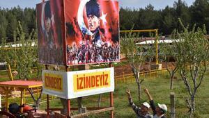Çiftliğe Atatürk posteri