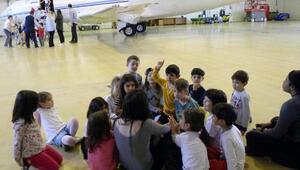 Miniklerin uçak deneyimi