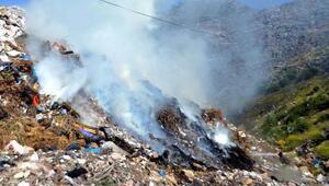 Bodrumda çöplükte yangın