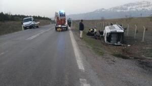 Konyada minibüs şarampole devrildi: 19 yaralı