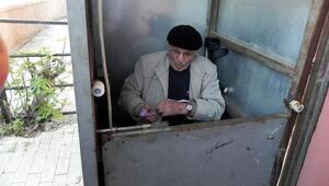 Engelli asansörü onarılan Selahattin dedenin sevinci